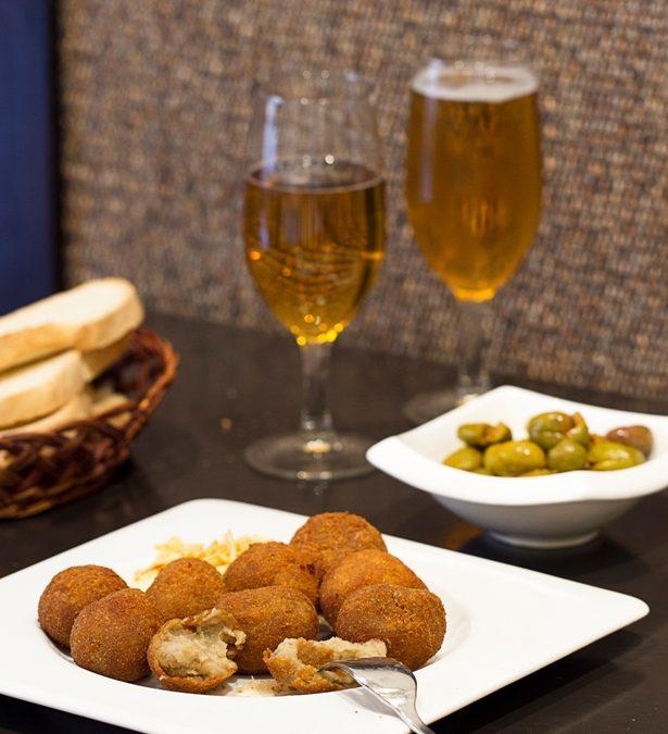 Receta: Croquetas de Boletus y Patata Trufada. Uno de los platos más demandados.