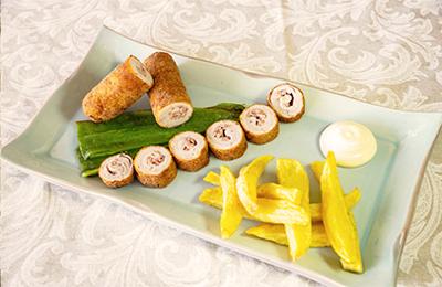 Imagen de Cena de Nochevieja. Menú Infantil. Flamenquín de lomo con jamón.